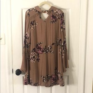 Floral long sleeve fall dress size medium